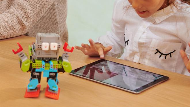 Rayakan Hari Perempuan, Apple Siapkan Program Spesial