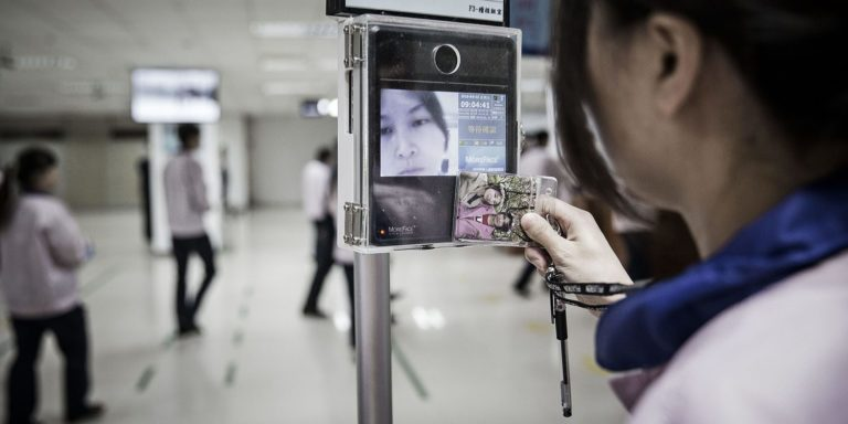 Gaji Karyawan Foxconn Turun Gara-gara iPhone?
