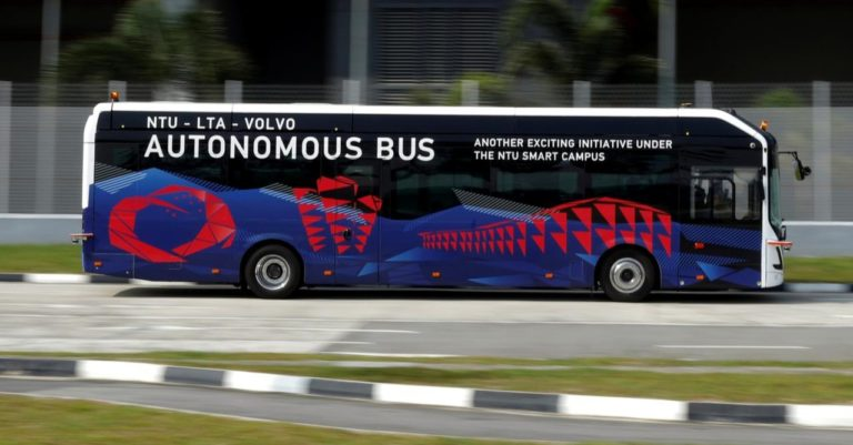 Keren! Singapura Mulai Uji Bus Listrik Otonom
