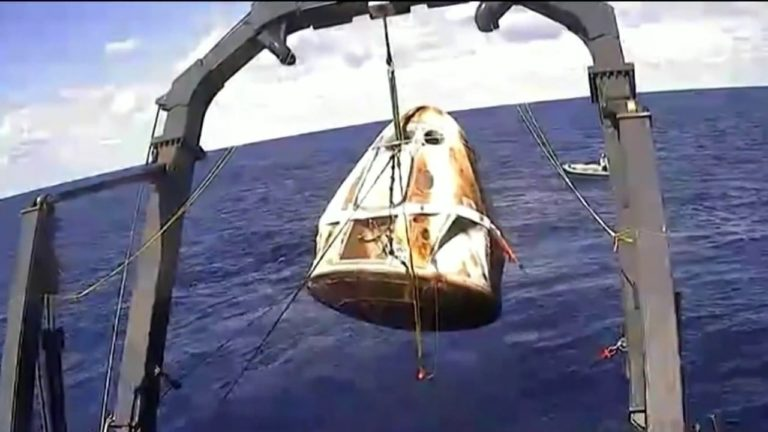 Kapsul Crew Dragon Milik SpaceX Sukses Kembali ke Bumi