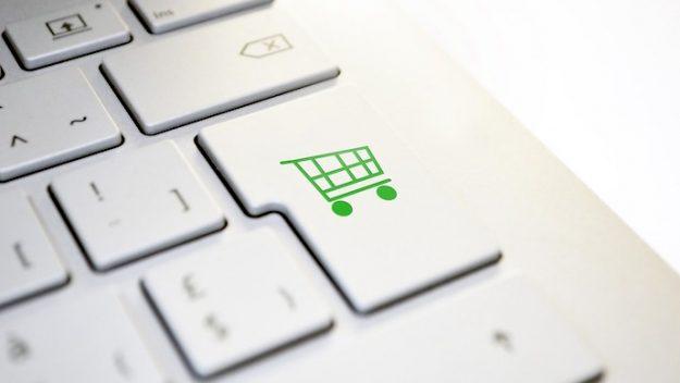 Ini Bukti Kalau Penenggak Miras Juga Suka Belanja Online