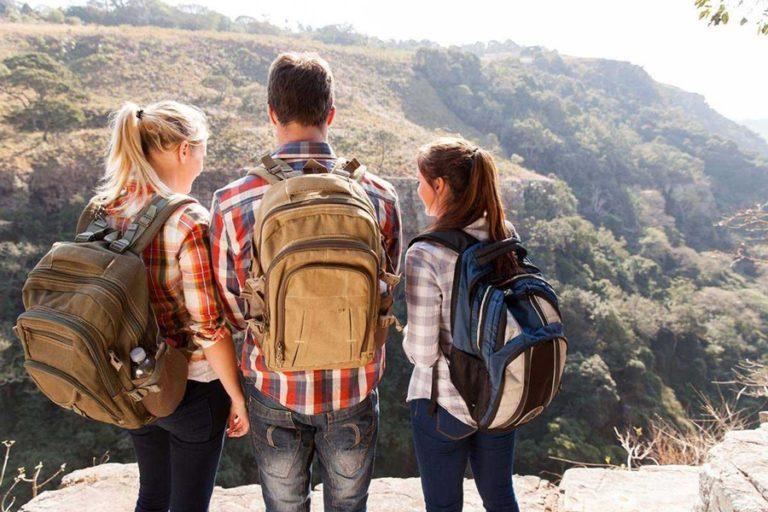 Liburan Anti Bokek ala Travel Blogger, Cocok Buat Milenial!