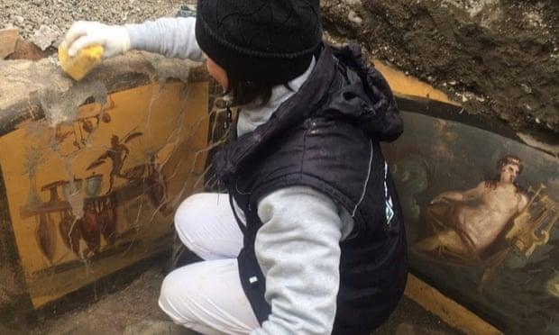 """Arkeolog Temukan """"Gerai McDonalds"""" Zaman Romawi"""