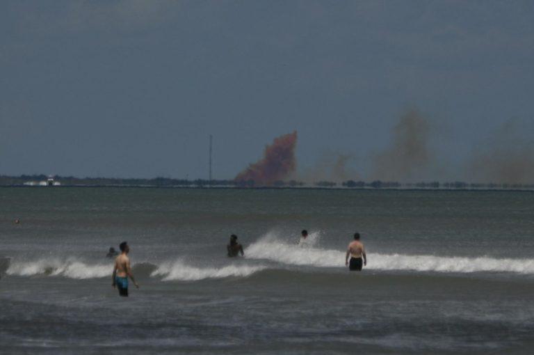 Mesin Crew Dragon Milik SpaceX Terbakar Saat Uji Coba