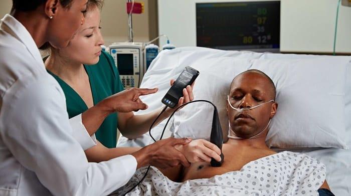 Dokter di Afrika Jadikan Smartphone untuk Alat Medis