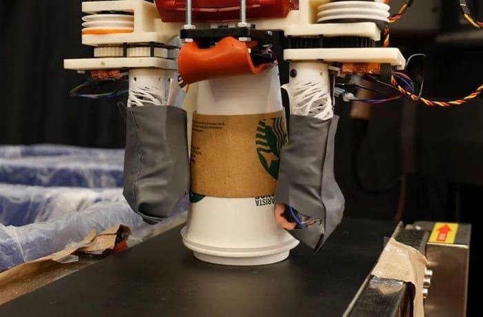 Ilmuwan Ciptakan Robot Daur Ulang Sampah