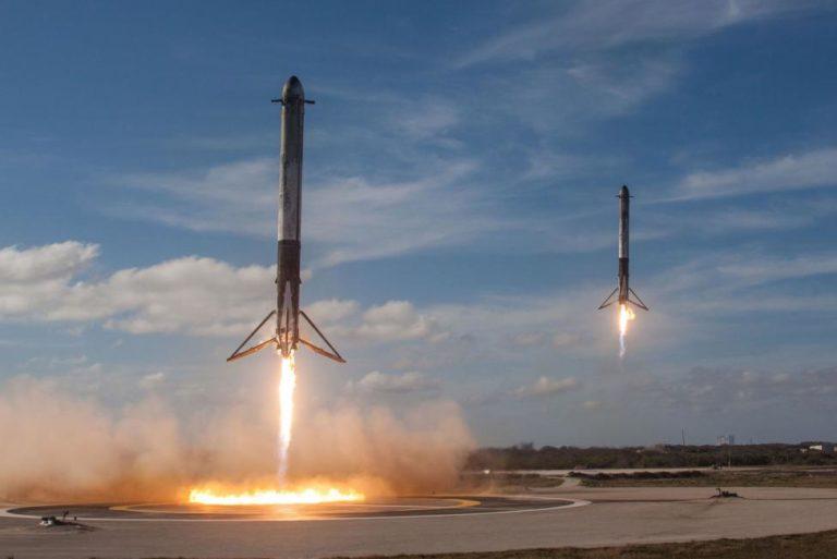 Peluncuran Kedua Roket Falcon Heavy Ditunda, Kenapa?