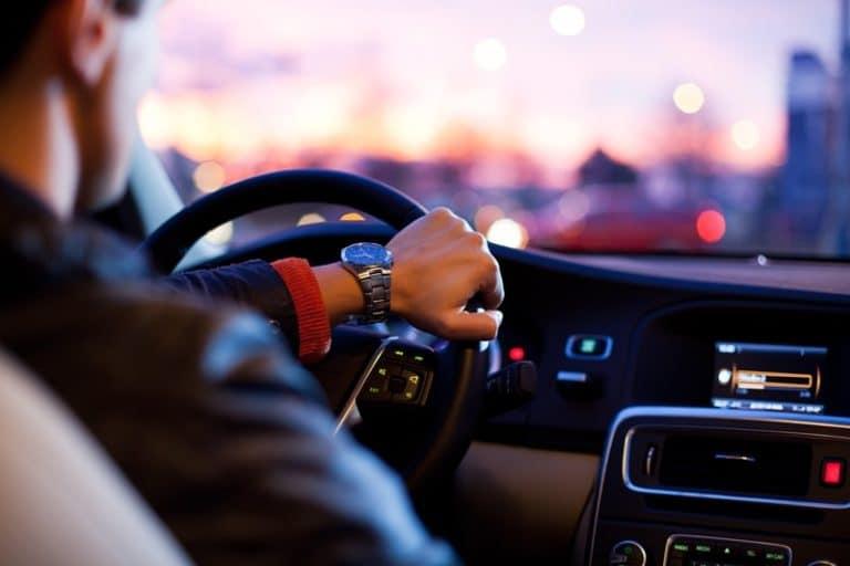 Berkendara Lebih Aman dengan Fitur Smart Driving