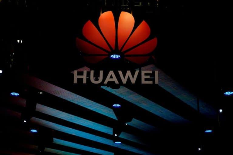 China Danai Huawei untuk Kepentingan Spionase?