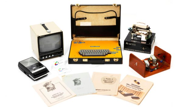 Paket Komputer Kuno Apple-1 Dilelang Rp 8,6 Miliar