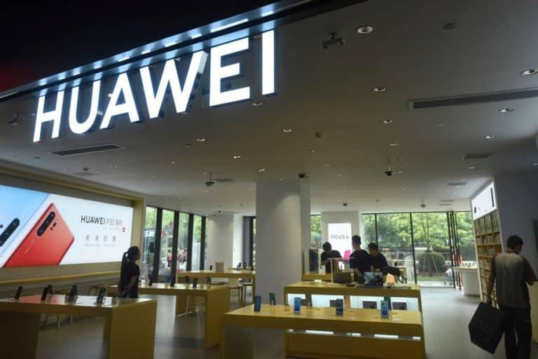 China Kritik AS Terkait Perintah Trump Embargo Huawei