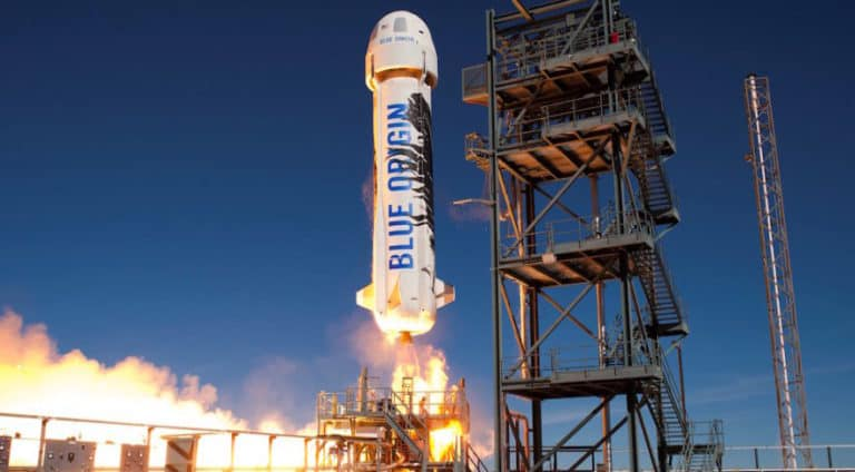Uji Coba Terakhir, Roket New Shepard Terbangkan Manusia ke Bulan