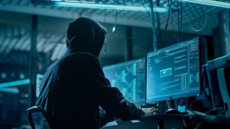 Trump Perintahkan Tentara Cyber Serang Iran, Ada Apa?