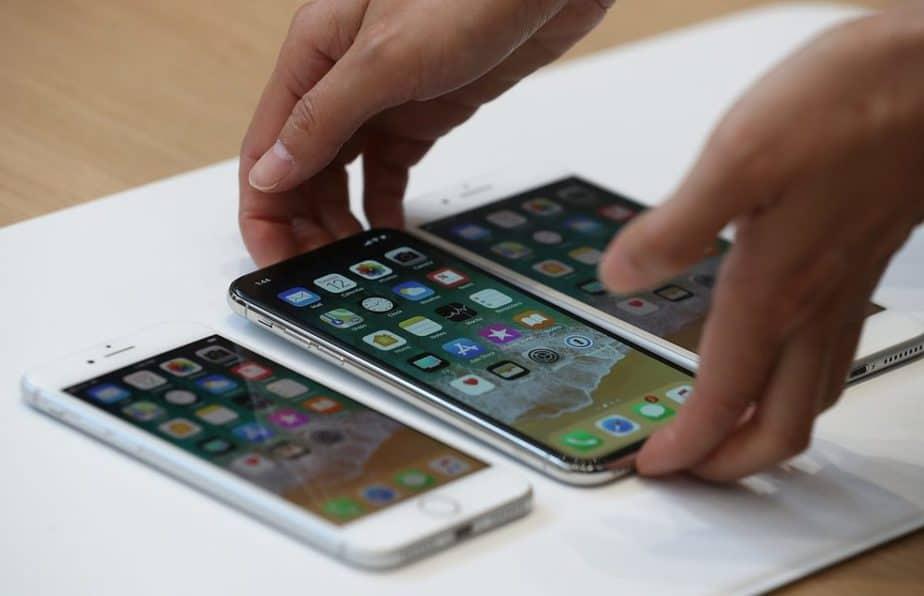 iPhone 5,8 inci