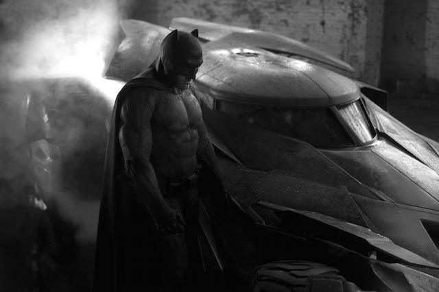 Robert Pattinson Resmi Perankan Batman, Pantas <i>Gak</i>?
