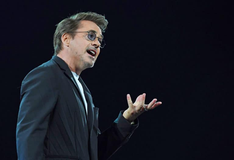 Salut, Iron Man Ajak Warga Bumi Atasi Polusi Dunia