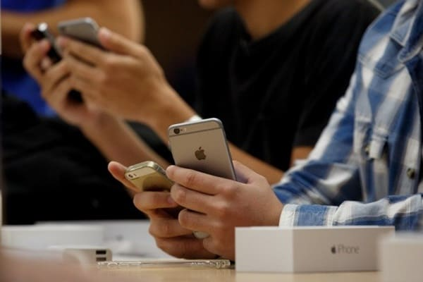 FBI Bongkar Sindikat Pengedar iPhone Palsu Bernilai Rp 85 Miliar
