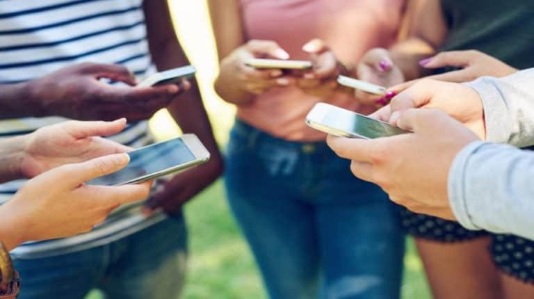 6 Rekomendasi Ponsel Buged 2 juta
