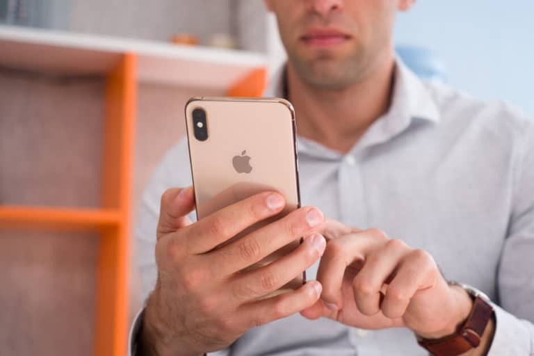 Apple Peras Otak agar Desain iPhone 12 Tak Bocor