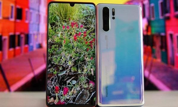 """Embargo AS """"Nggak Ngefek"""", Penjualan Ponsel Huawei Melesat"""