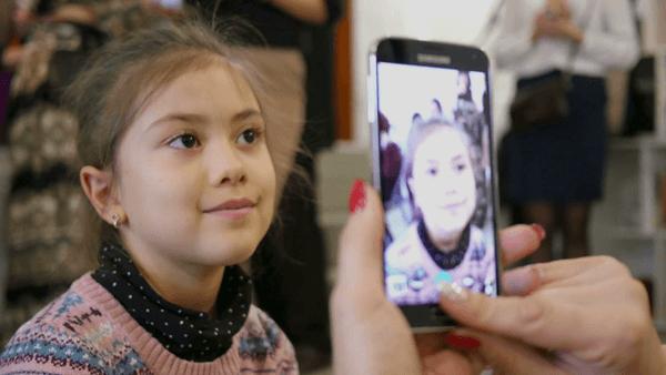 Haruskah Posting Foto Anak di Medsos? Ini Kata Pakar