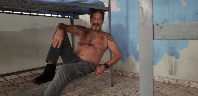 Dipenjara, Pendiri McAfee Malah Pamer Foto di Twitter