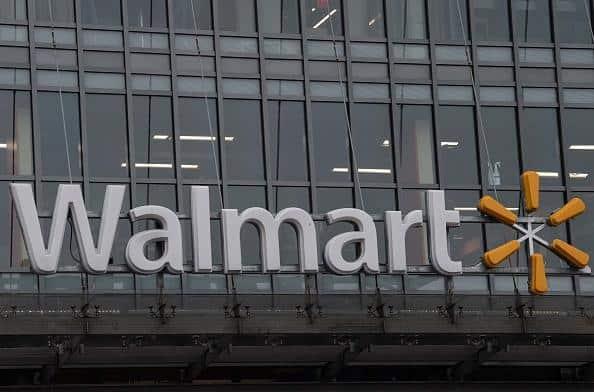 Walmart Pakai Headset VR untuk Tes Karyawan