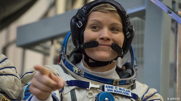 Astronot Ini Dituduh Curi Uang Mantan Suami dari Luar Angkasa