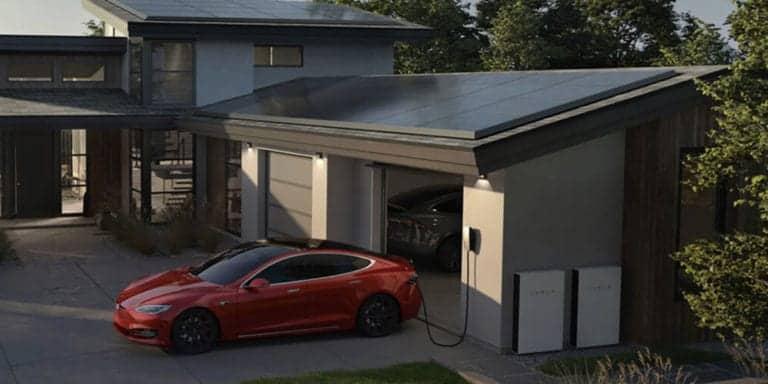 Selain Walmart, Gudang Amazon Jadi Korban Panel Surya Tesla