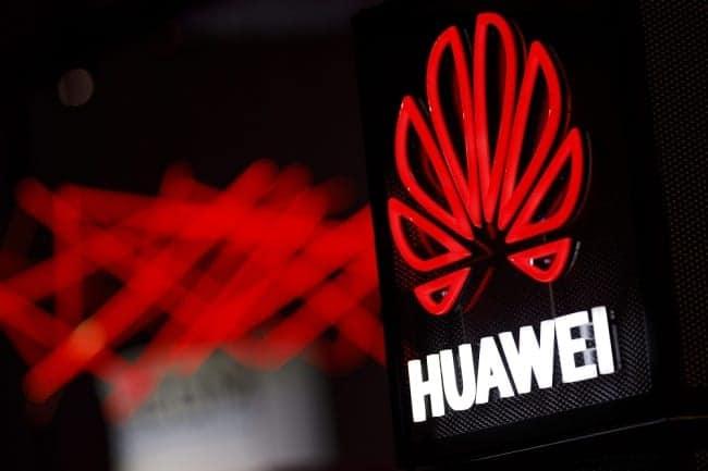 Trump Terima 130 Permohonan Penjualan Barang AS ke Huawei