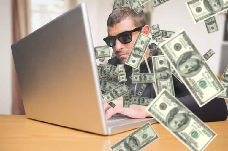 Terciduk, Hacker Ini Dipaksa Balikin Uang Hasil Curiannya