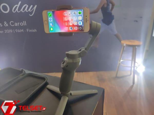DJI Rilis Osmo Mobile 3, Gimbal yang Bisa Dilipat