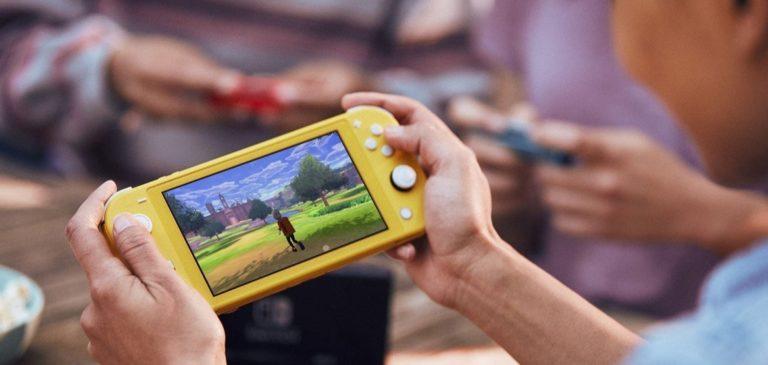 Pengguna Nintendo Switch Lite Gugat Masalah Drifting