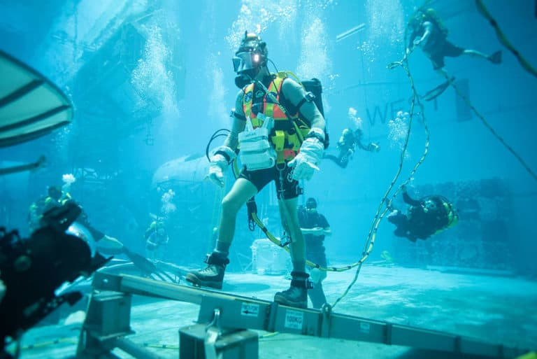 Kandidat Astronot  NASA Jalani Simulasi di Tangki Air Raksasa