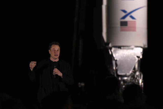 Elon Musk Pamer Roket Baru untuk Piknik ke Mars