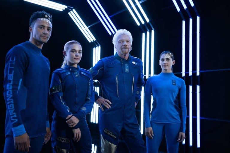 Virgin Galactic Perkenalkan Pakaian Wisata ke Luar Angkasa