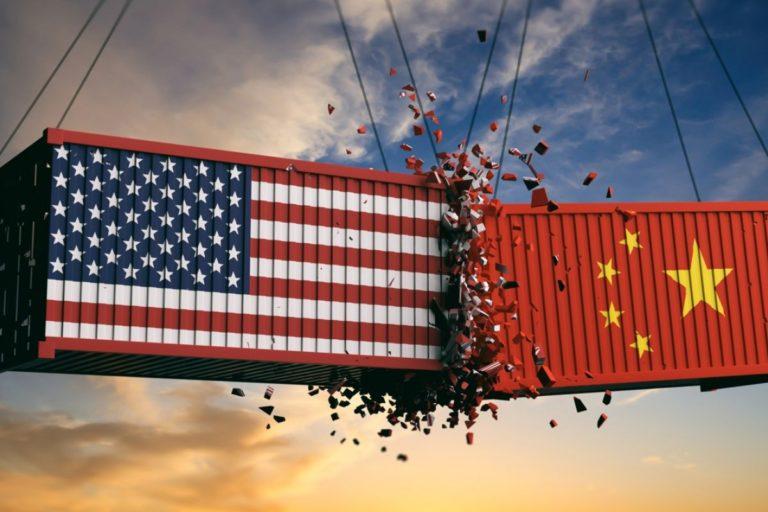 Donald Trump Mau Embargo Perusahaan China yang Suka Jiplak