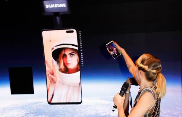 Bahaya Banget! Balon Udara Samsung Galaxy S10 Timpa Rumah Warga