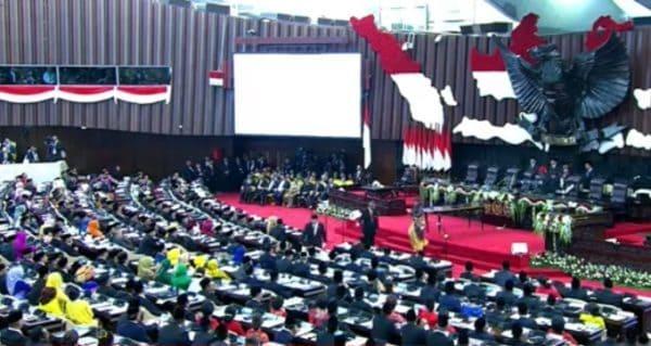DPR RI Baru Harus Kritisi Kebijakan Pemblokiran Internet