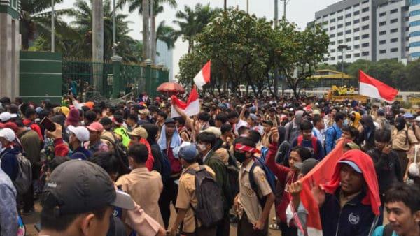 Kominfo Blokir 270 Ribu URL Saat Demo Pelajar STM
