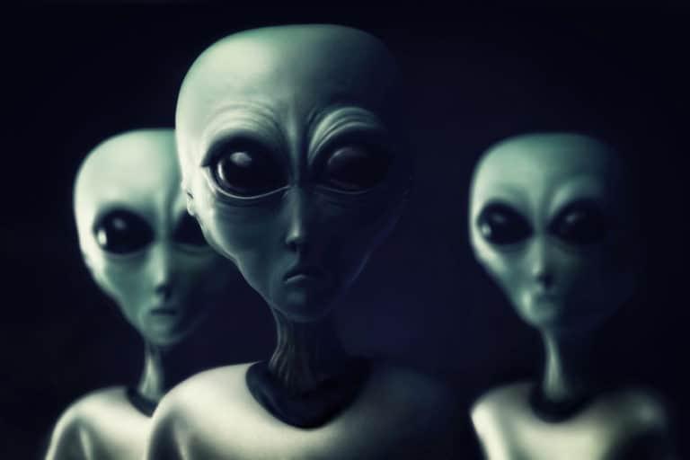 Ilmuwan Ini Yakin Manusia Bertemu Alien dalam 30 Tahun