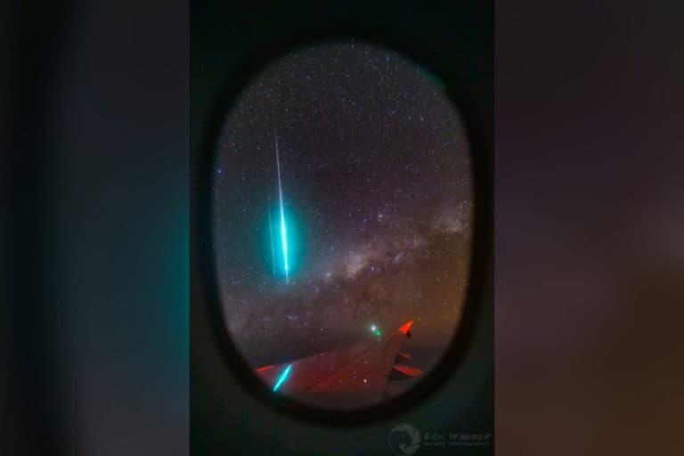 Keren! Meteor Bola Api Biru Tertangkap Kamera Fotografer