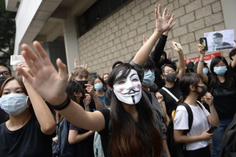 Tim Cook Bertemu Regulator China Bahas Aplikasi Demonstrasi Hong Kong