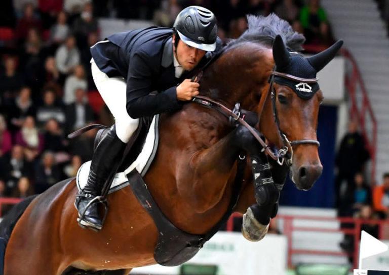 Arena Pacuan Kuda Pakai Olahan Kotoran Kuda untuk Listrik