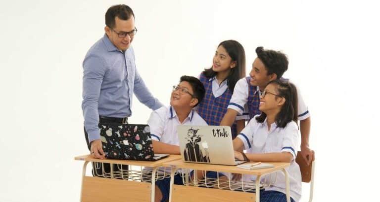 Pengaruh Teknologi Pada Cara Belajar Generasi Z