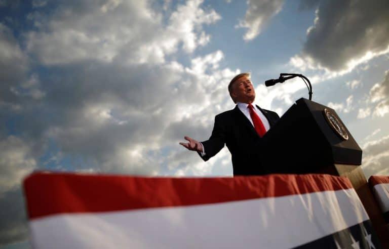 Sekelompok Peretas Coba Gagalkan Pencalonan Donald Trump