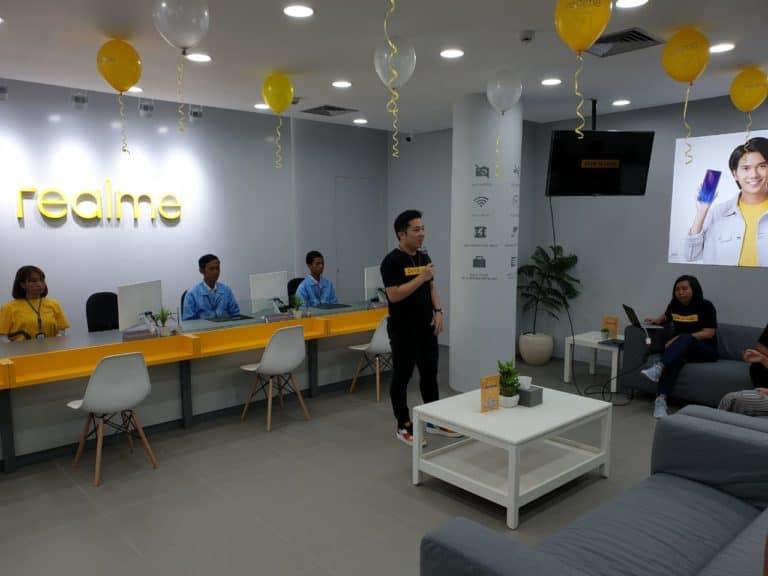 Realme Resmikan Official Service Center di Surabaya