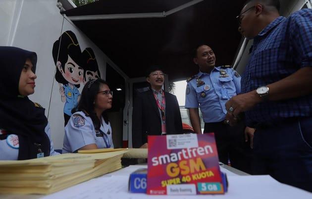 Smartfren dan Kantor Imigrasi Gelar Layanan Paspor Keliling