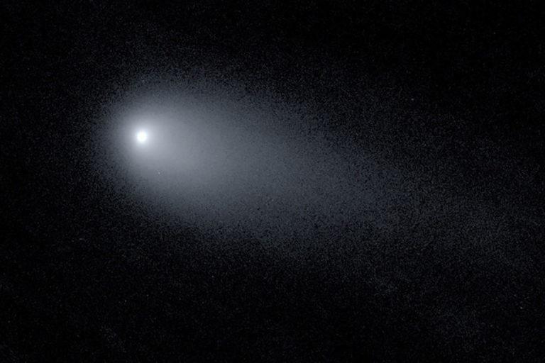 Astronom Tangkap Gambar Komet Misterius, Pesawat Alien?