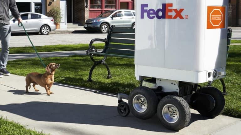 """Pemerintah Kecam """"Penjajahan"""" Robot FedEx di New York"""